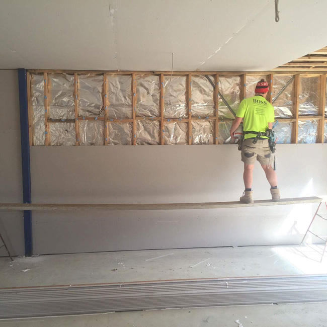 Hanging plaster on a new build